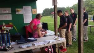 Anne and Tara registering teams.